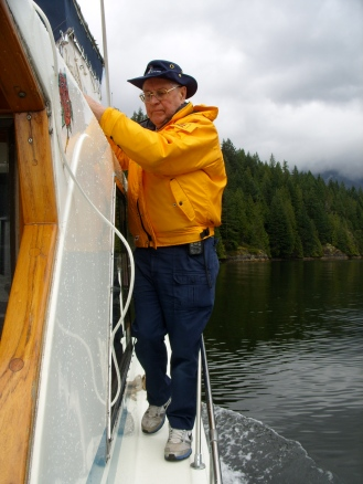 Ah... Norm was hiding on the starboard when we pulled away from the dock.